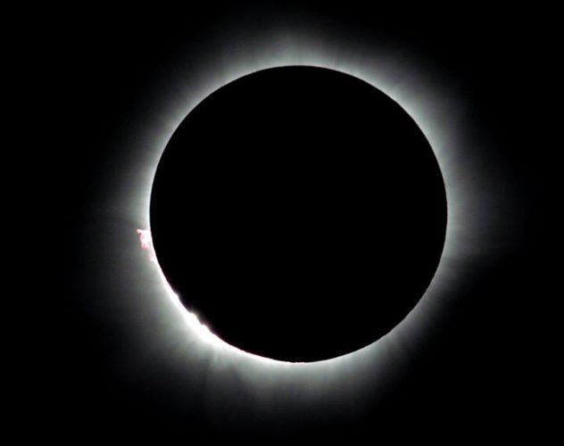 27.02 Całkowite zaćmienie Słońca – Indonezja 2016