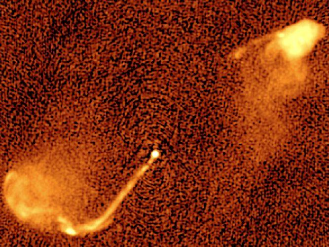 Astronomowie zauważają oznaki łączenia się supermasywnych czarnych dziur