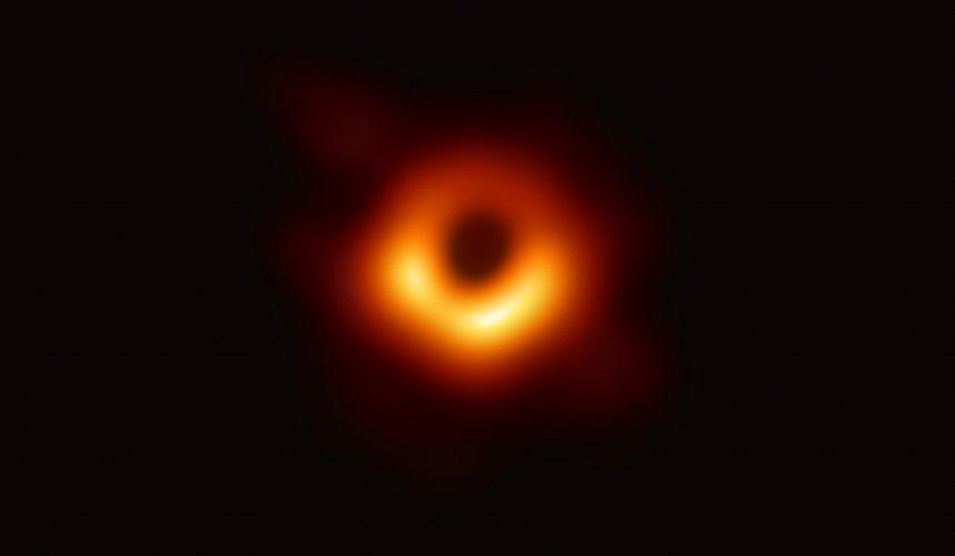 W jaki sposób supermasywne czarne dziury rosną tak szybko?