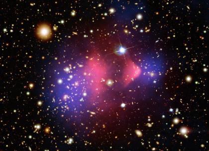 Emisja promieniowania rentgenowskiego z ciemnej materii