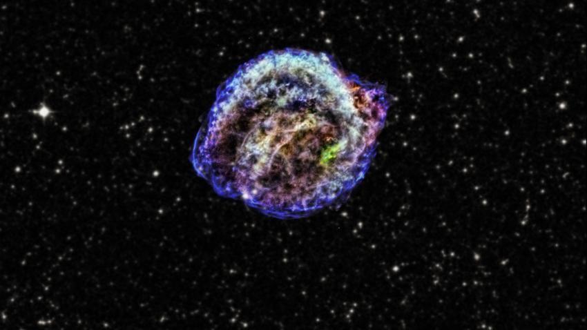 Promieniowanie kosmiczne pomaga wybuchom supernowych nadać większy pęd
