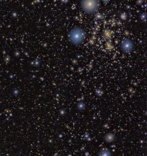 Obrazy z HST i GTC pomagają pokazać, jak powstawały pierwsze galaktyki